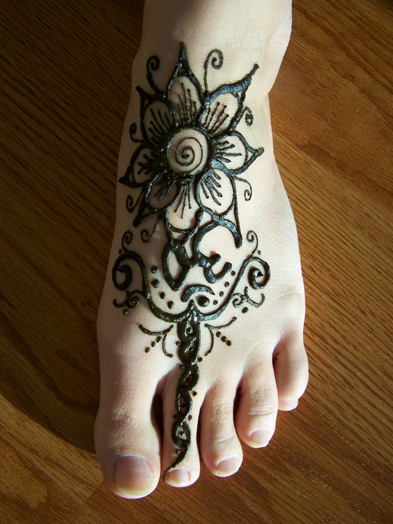 Mehndi Flower Images : Mehndi flower design mehandi heena designs indian