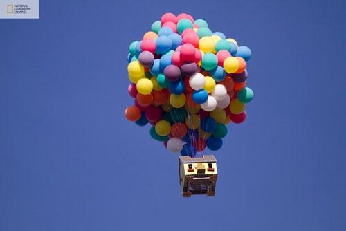 صور منزل يطير باستخدام البالونات !! مشروع جديد مستوحى من فيلم ديزني up up-1.jpg