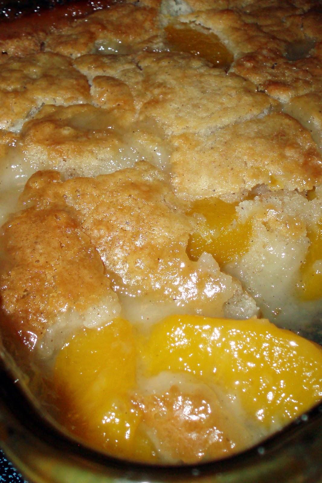 Farm Fresh Peach Cobbler #Recipe - Rural Mom