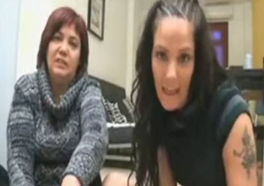 Madre e Hija Españolas Hacen Escena Porno