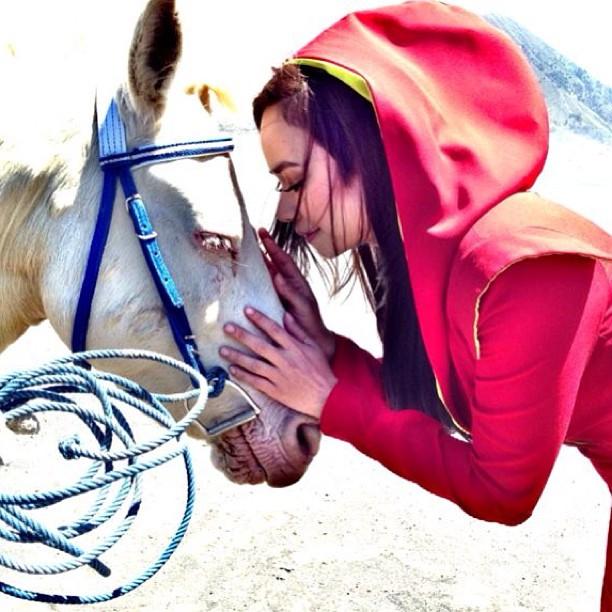 Menarik! Nora Danish Seperti Red Riding Hood | Media Semasa