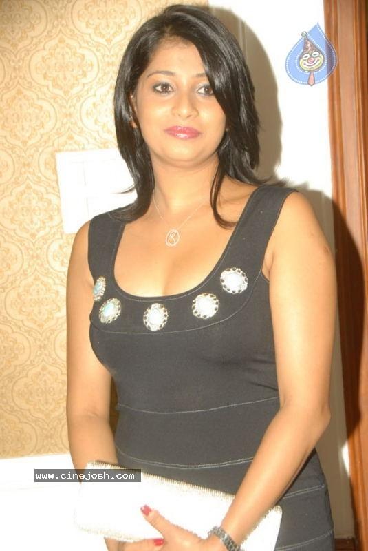 http://2.bp.blogspot.com/-ICCjK3NA4LE/Te37TLFiZ2I/AAAAAAAAGjc/JpyQ0cZswjA/s1600/hot%2Bphoto%2Bstills.jpg