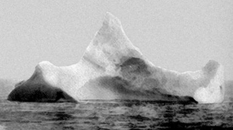 bloque-hielo-colision-buque