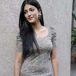 Shruthi Hassan on set of Friends