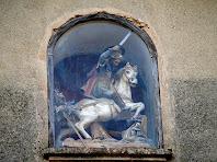 """Detall de la fornícula amb la imatge de Sant Jaume """"matamoros"""""""