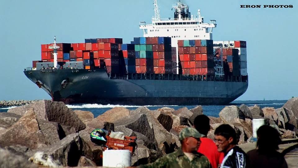 Mais Compras Chegando no Porto do Rio Grande