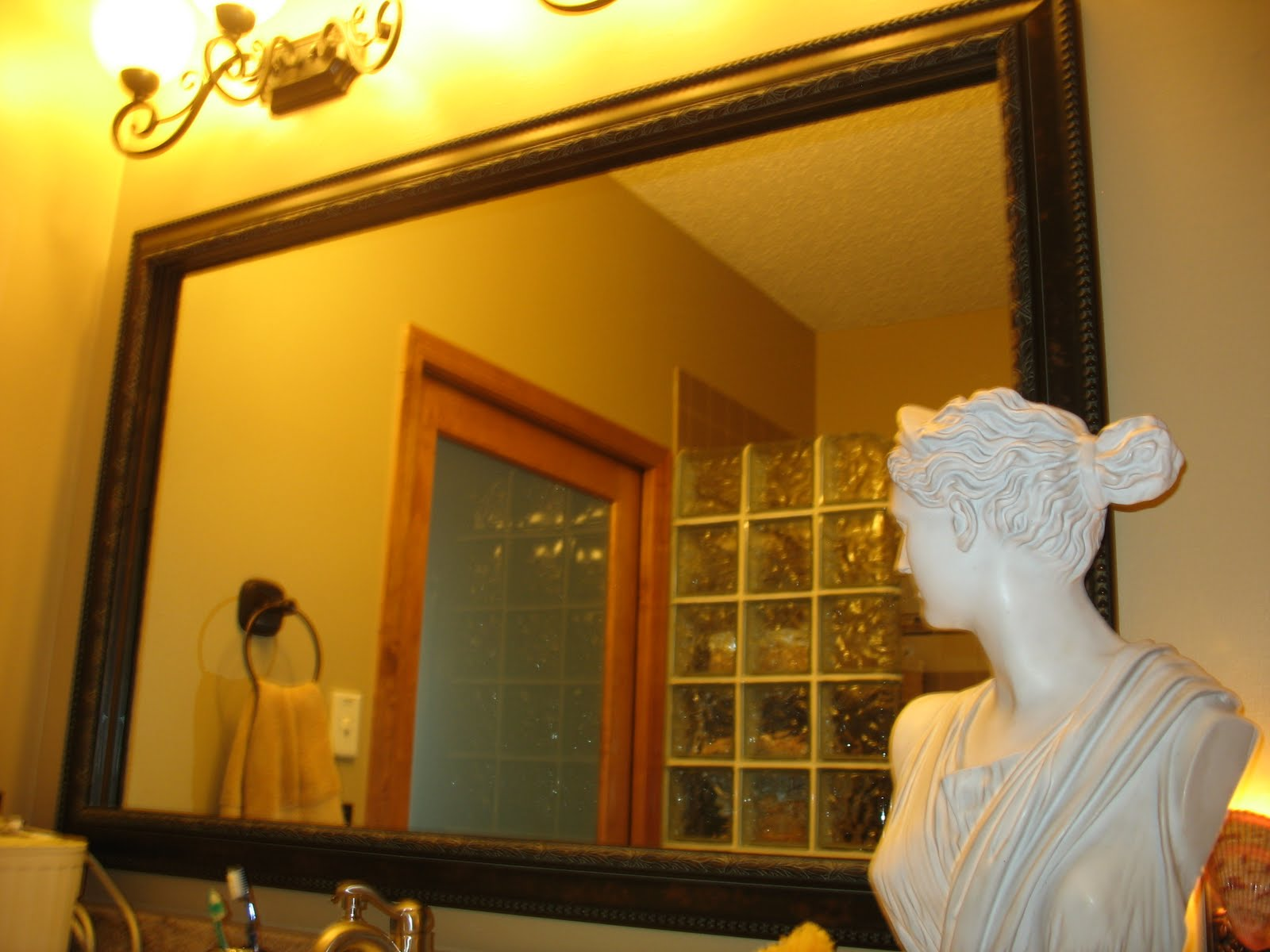 Bathroom mirrors framed - Custom Mirror Framing