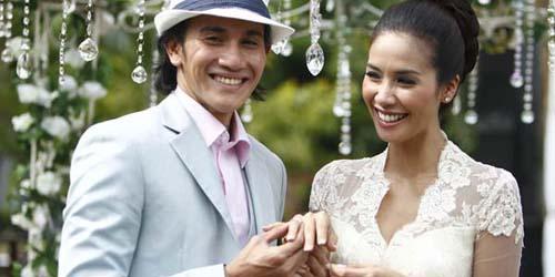 Kumpulan Foto Pernikahan Vino G Bastian dan Marsha Timothy