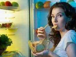 Fight Back Against Late-Night Eating With These Tips - eating late at night