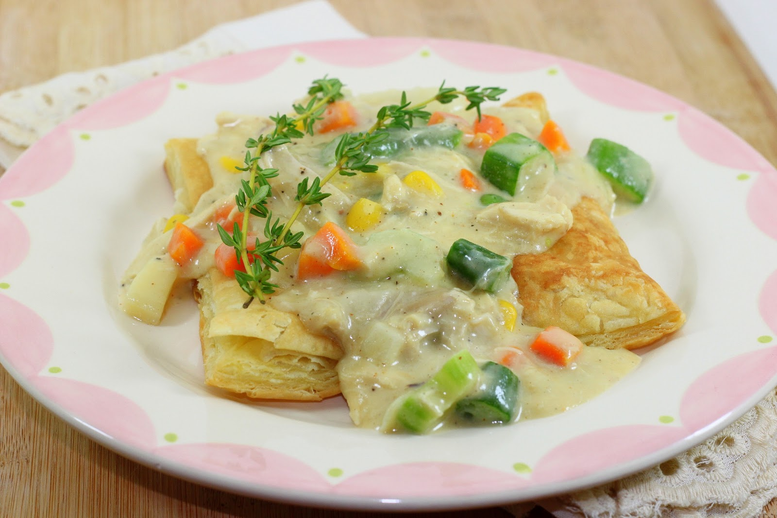 Dalia's Delights: Inside Out Chicken Pot Pie