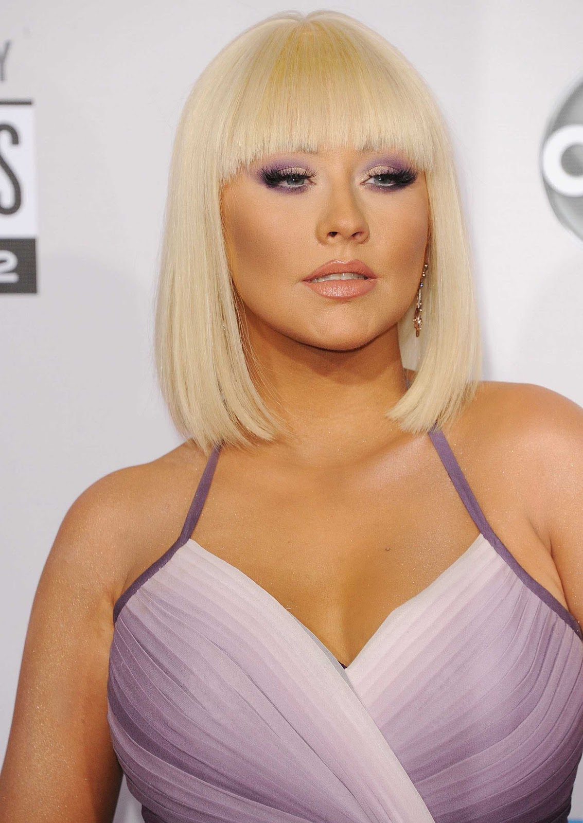 http://2.bp.blogspot.com/-ICsw-jUMxpY/UKrX4upC1CI/AAAAAAACo-s/eTlZGhTSCo4/s1600/Christina+Aguilera.jpg