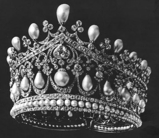 The royal order of sartorial splendor tiara thursday the russian tiara thursday the russian large pearl pendant tiara mozeypictures Images