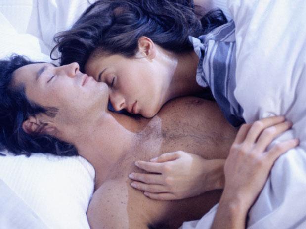 В постели с любимой женой добавить