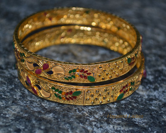 Ruby-Emerald-gold-Bangle-close-view-+-Diamond-designs