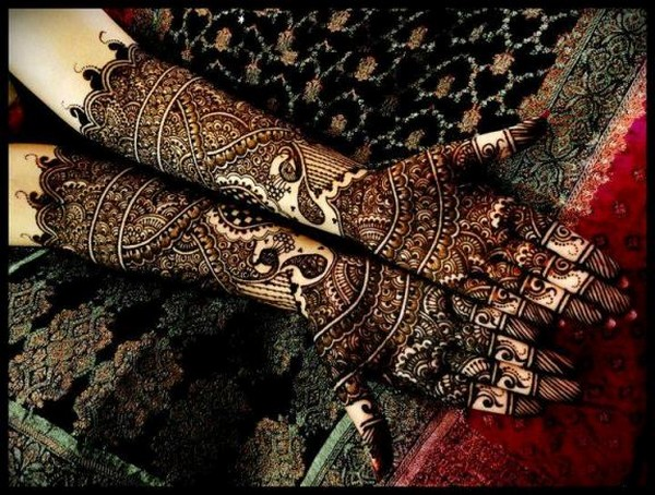 Girls special styles of mehndi 2015