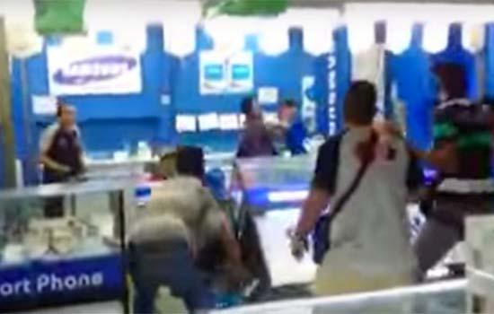 Peniaga di Kompleks Kota Raya yang menipu pelanggan dibelasah