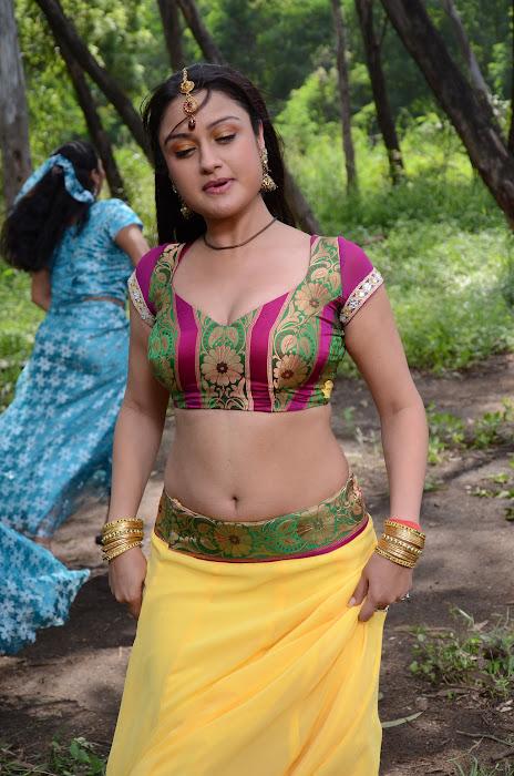 sonia agarwal spicy , sonia agarwal new actress pics