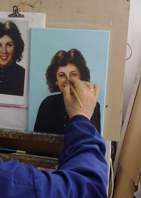 retrato femenino en acrilico