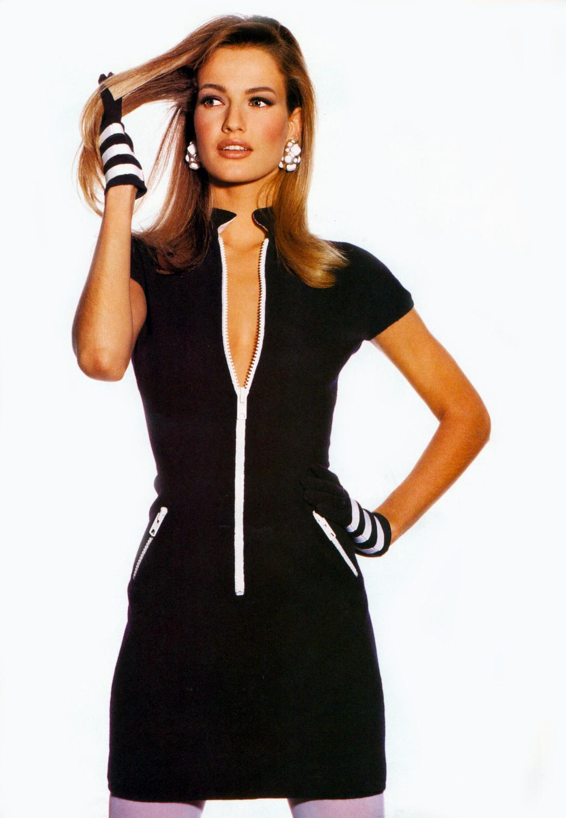 http://2.bp.blogspot.com/-IDglIRnePSk/TgKkz_sCGXI/AAAAAAAABlg/meVPTMXJzqM/s1600/Karen+US+Vogue+Apr+1991+Irving+Penn.jpg