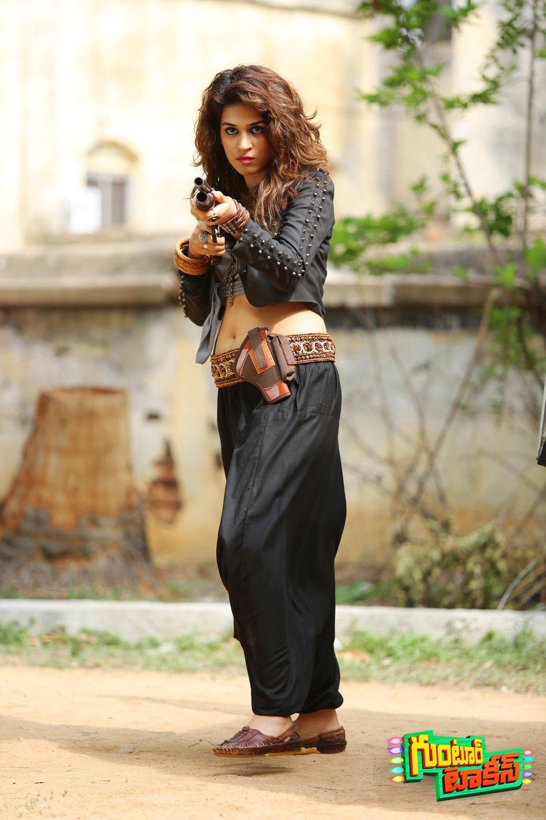 Shraddha Das HD images From Guntur Talkies Movie