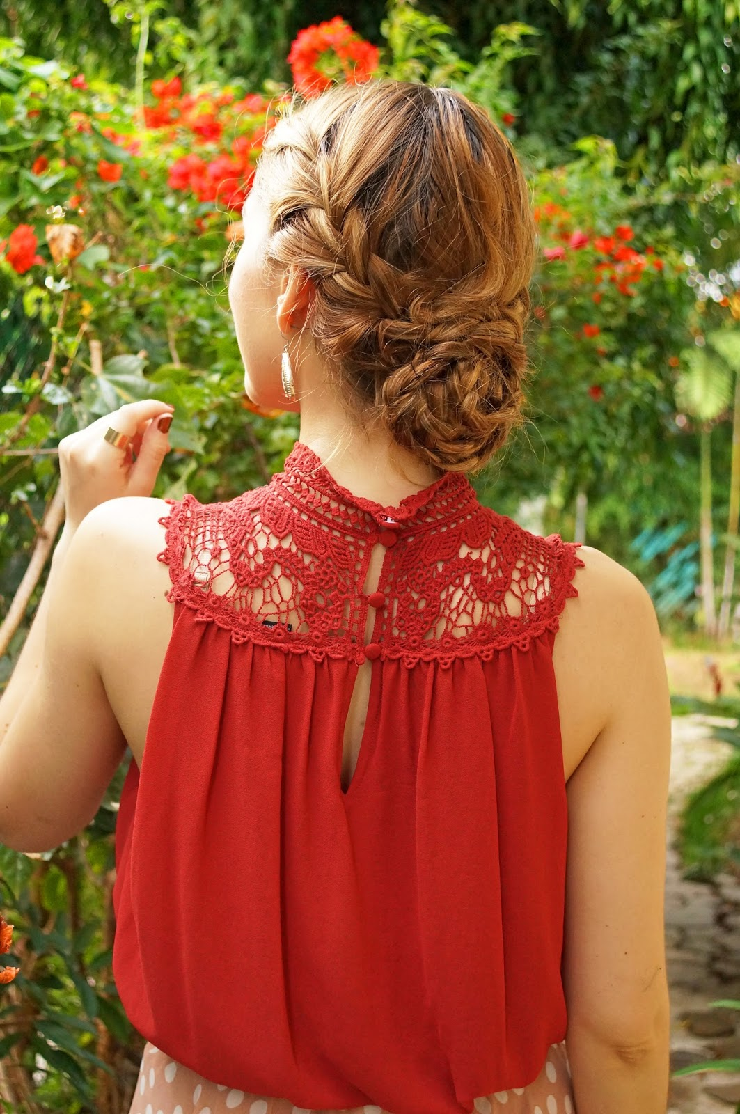 Gorgeous Braided Updo Hairstyle. This would be great for a Summer wedding!