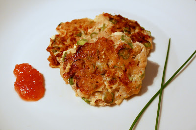 Thai fish cakes (tod man pla) with white fish, lime zest, curry paste and green beans