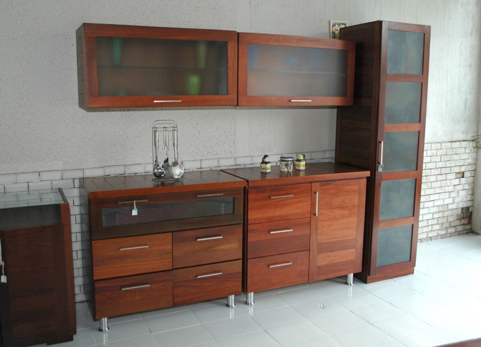 em madeira e MDF: Móveis feitos com reaproveitamento de madeira #75402C 1600x1155