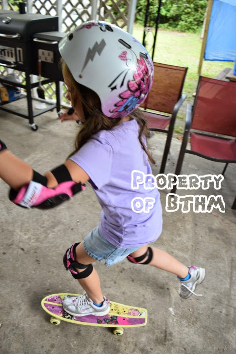 miss grace skatebarding 1st time 2