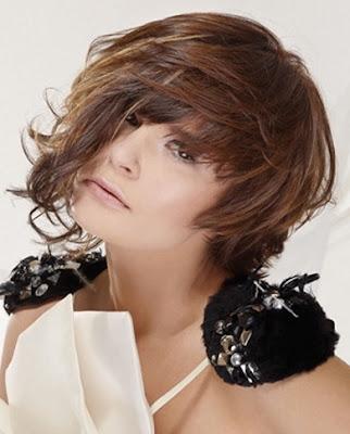Glam Medium Layered Haircut Ideas for Fall-by Framesi