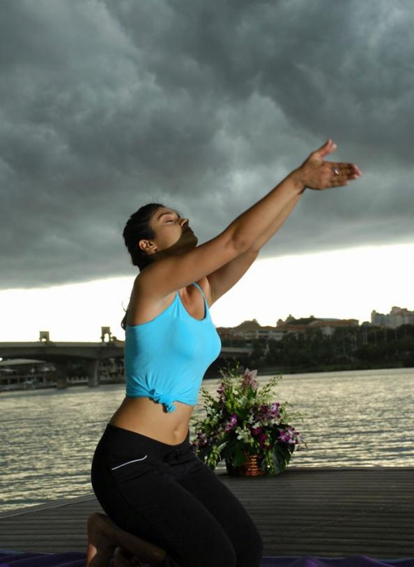 Ileana D'Cruz Hot Yoga Photos