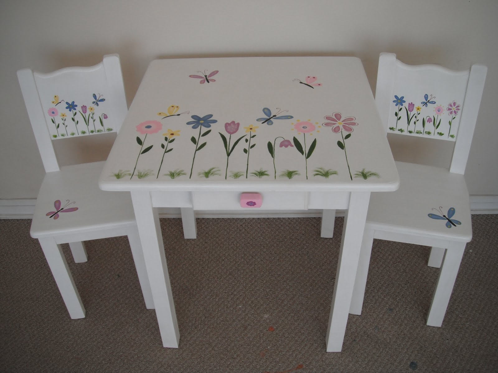 Muebles infantiles decoraci n para ni os juguetes - Mesita con sillas infantiles ...