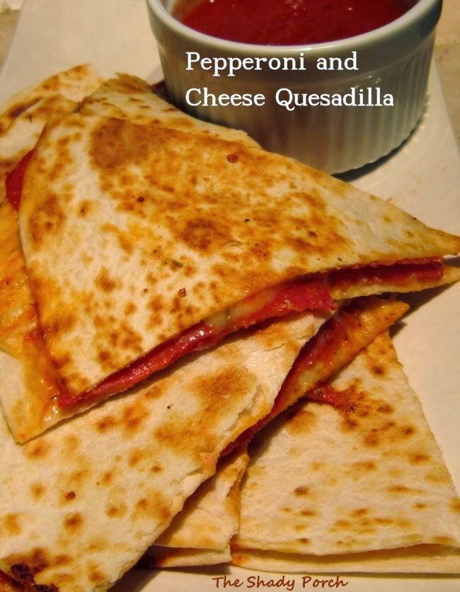 Cheesy Pepperoni Quesadilla #Italian #Pizza #Dinner #Snack