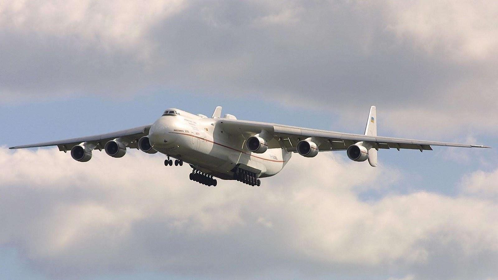 http://2.bp.blogspot.com/-IFJoHex_wVo/UJ0cOTJ4gVI/AAAAAAAAF-s/gEBMHqDaBaM/s1600/Antonov-An-225_1080.jpg