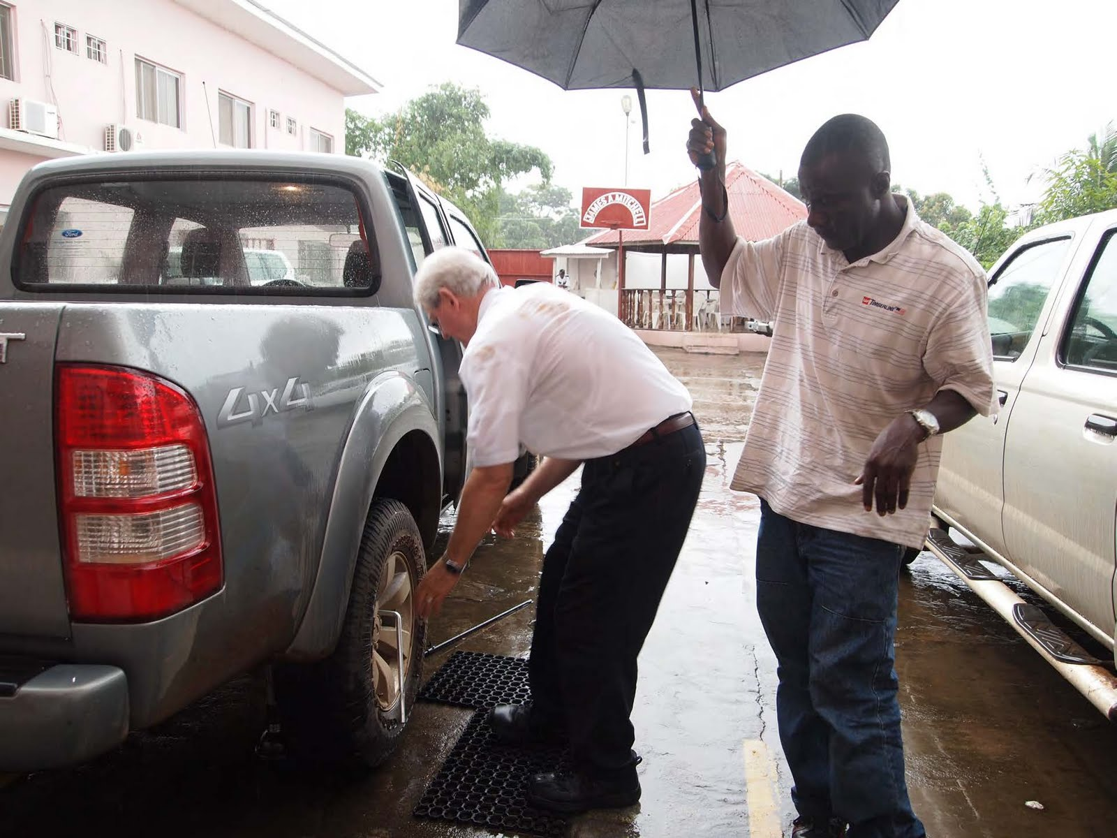Kirkham\'s Mission Blog from Liberia: Changing yet another flat tire ...