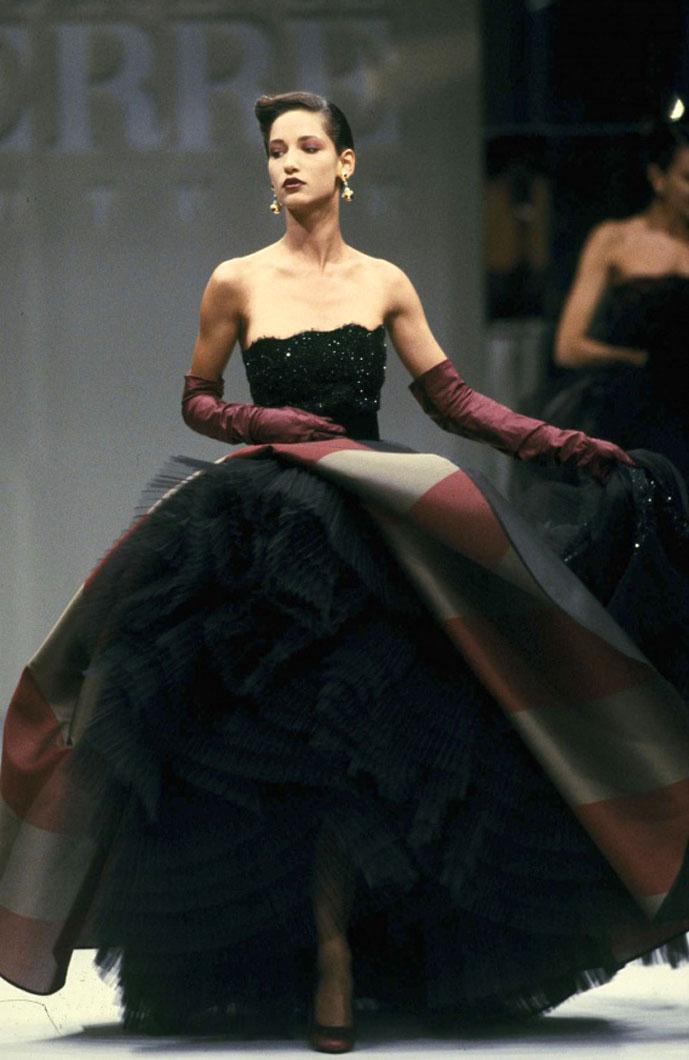 Gianfranco Ferre Fall/Winter 1988 Haute Couture