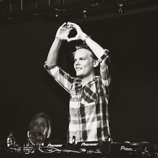 Lirik Wake Me Up - Avicii