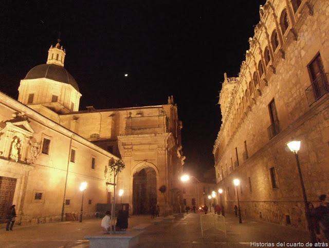 Vista con el palacio de Monterrey a la derecha y el convento de las Agustinas a la izquierda (1)