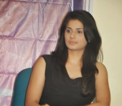 Hudasha photos in tight jeans at movie press meet