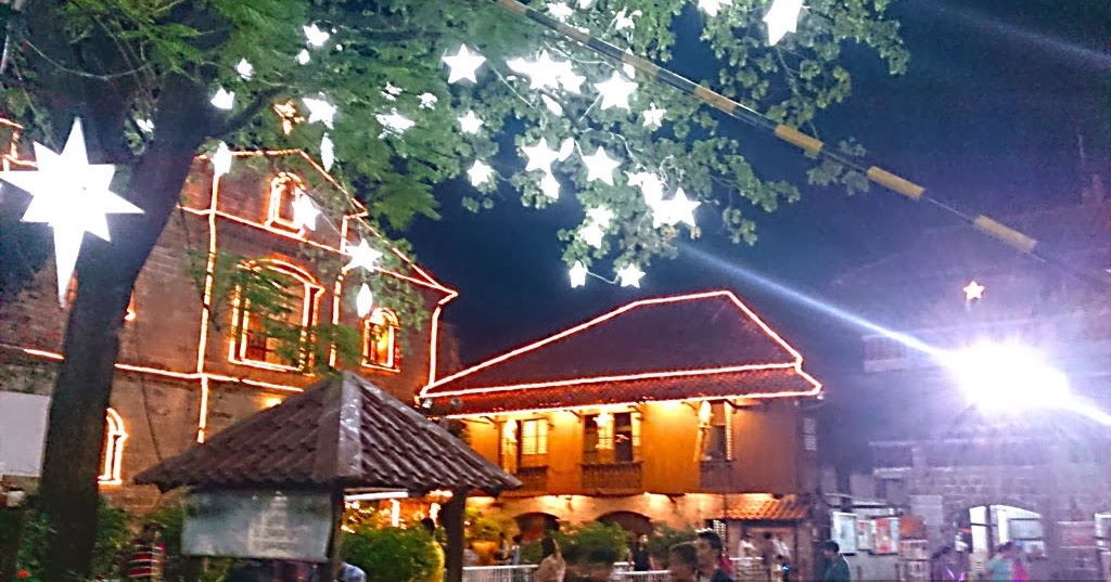 Christmas Food Trip At Las Pinas Bamboo Organ Church