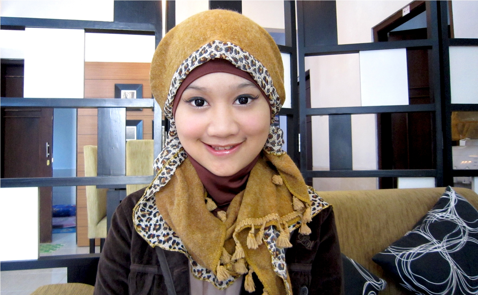 2013 by ZOYA (4 style)  Published on Jan 22, 2013  Jilbab
