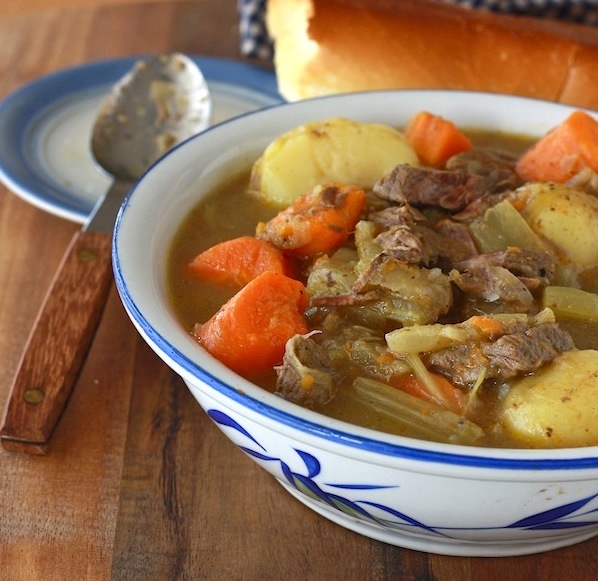 Minnesota Winter Beef Stew recipe by SeasonWithSpice.com