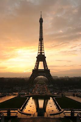 Wieża Eiffla Paryż