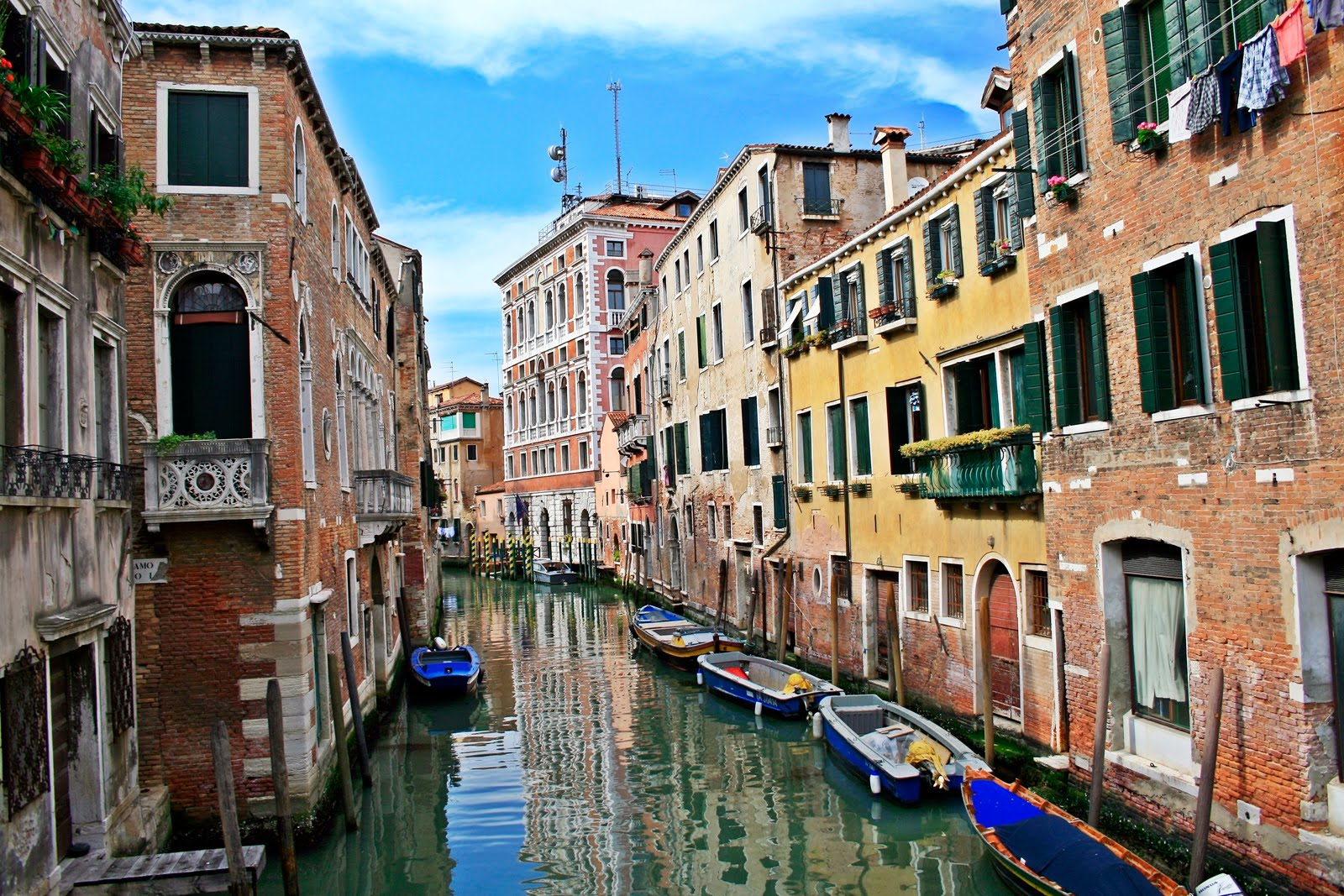 10 things to do in venice to enjoy that perfect city for Pictures of italian houses