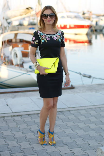 summer elegant outfit, black beaded dress, abito perline, Icone shoes, Chi Chi regina dress, neon yellow clutch, Fashion and Cookies