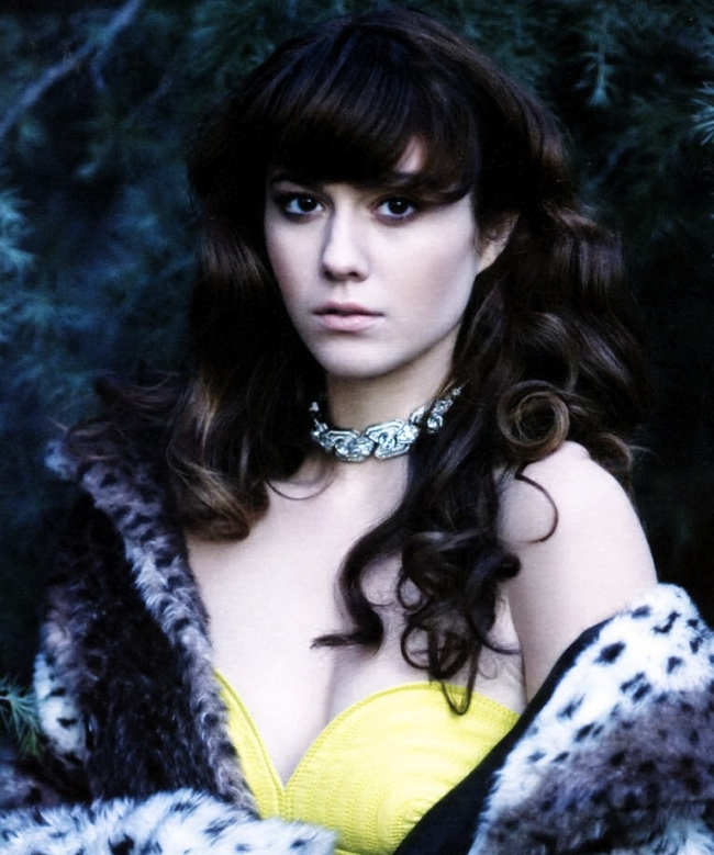 CELLULOID AND CIGARETTE BURNS: Mary Elizabeth Winstead ...