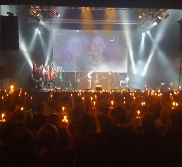 Blanca Balzola montaje pantalla concierto