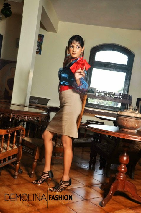 Dinusha Kondadeniya tight skirt