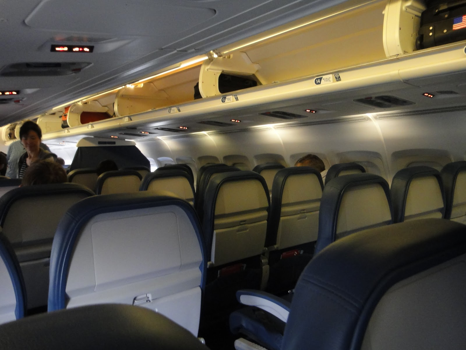 Delta MD-90 Economy Cabin