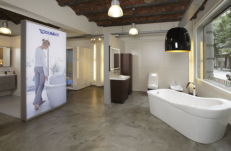 Interiores minimalistas el nuevo showroom de duravit en for Showroom bagno
