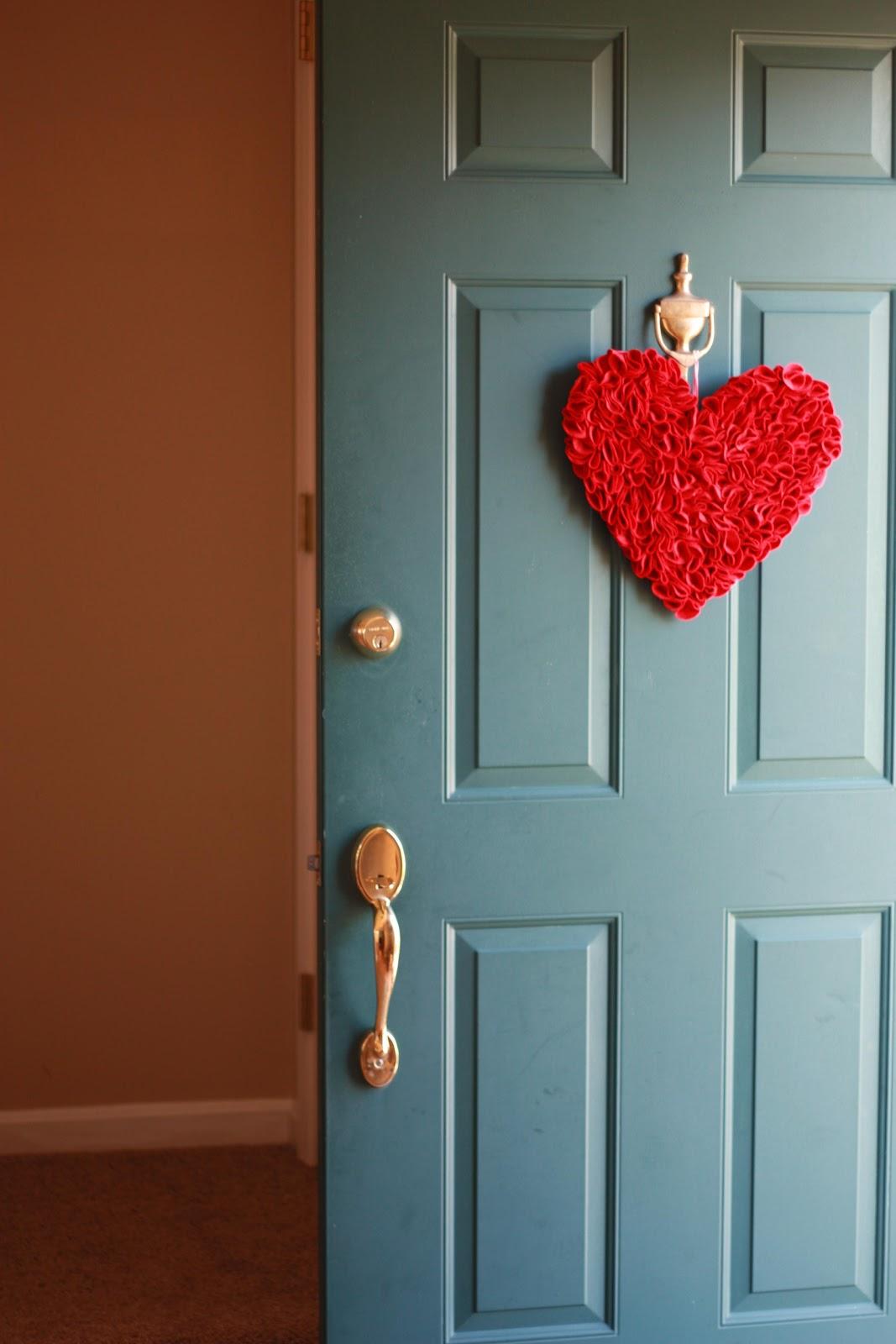 Felt Heart Door Decoration Tutorial & All In One Days Time: Felt Heart Door Decoration Tutorial